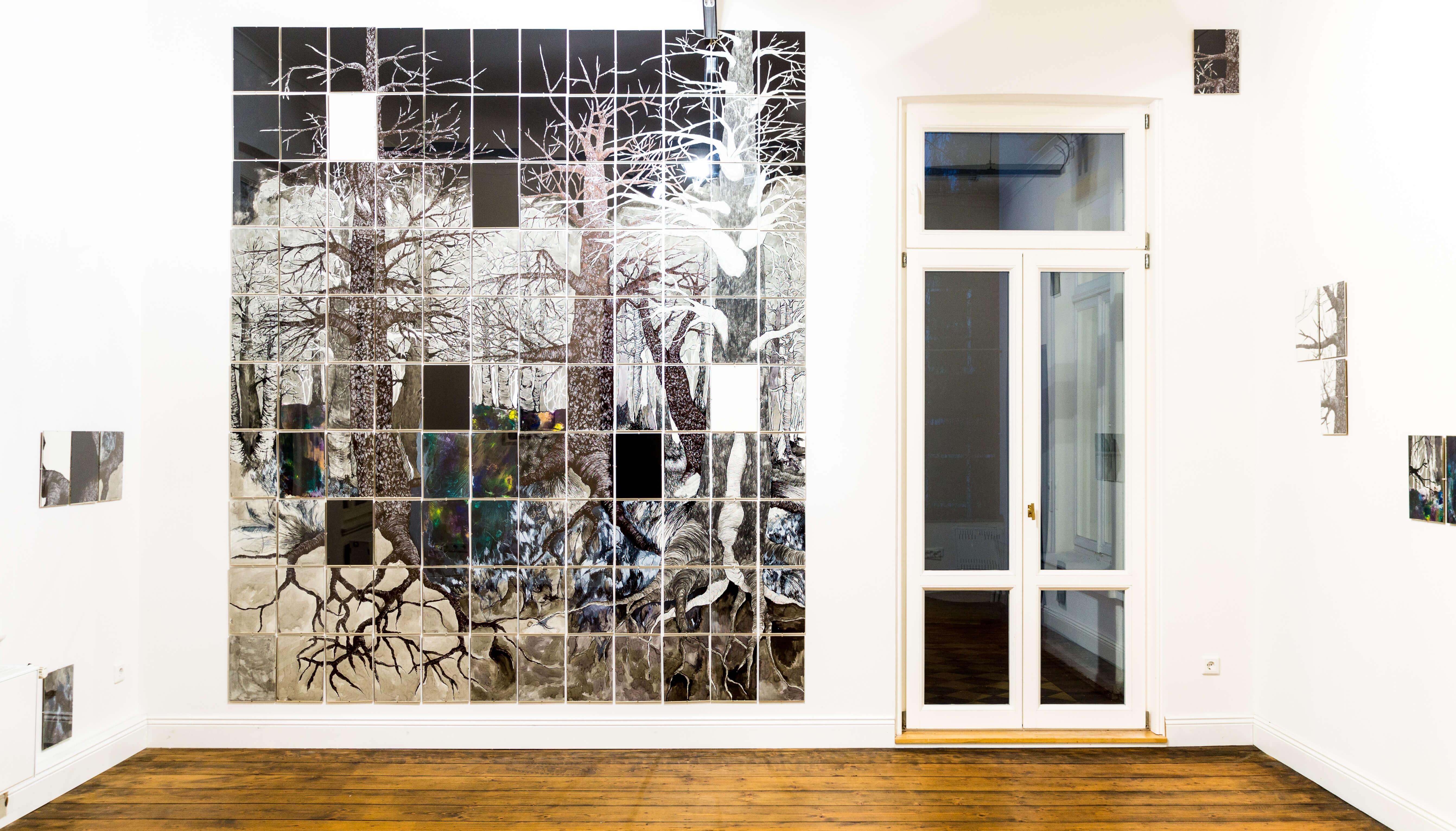 Katharina Albers, Wald XXXII(N), 2015, Tusche, Graphit, Linolfarbe, Ölfarbe, Fineliner, Gelstift auf Papier, 120 Stück je 30×21 cm, Größe gesamt 297×252 cm