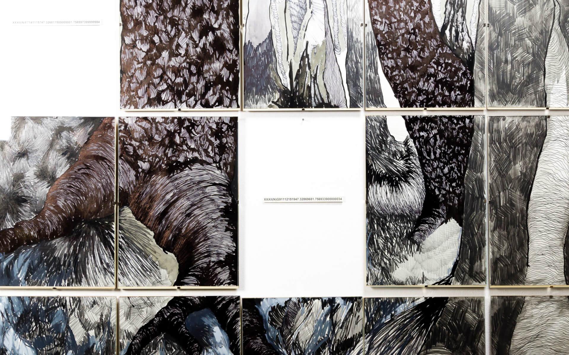 Katharina Albers, Detail: Wald XXXII(N), 2015, Tusche, Graphit, Linolfarbe, Ölfarbe, Fineliner, Gelstift auf Papier, 120 Stück je 30×21 cm, Größe gesamt 297×252 cm