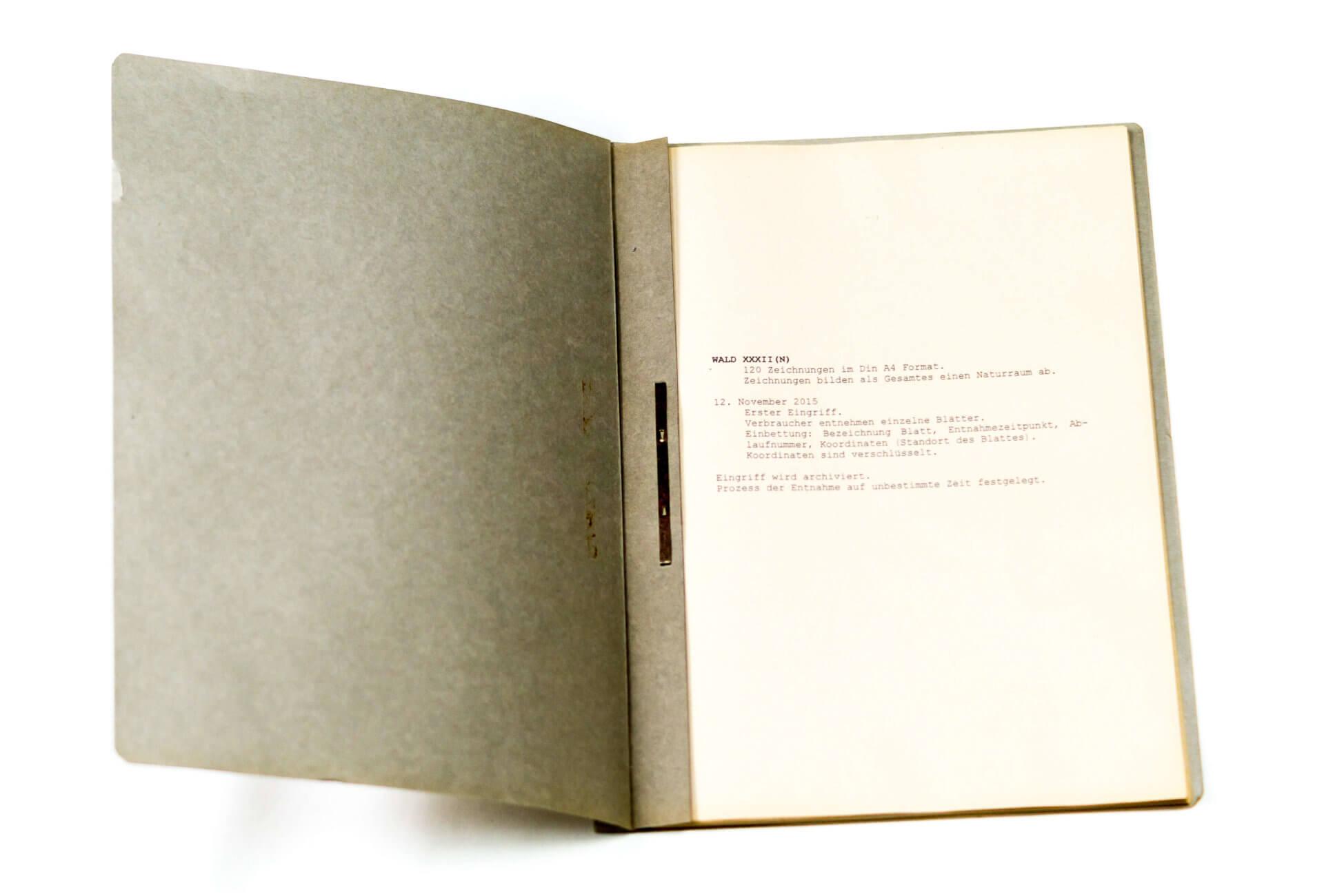 Katharina Albers, Detail Archiv: Wald XXXII(N), 2015, Tusche, Graphit, Linolfarbe, Ölfarbe, Fineliner, Gelstift auf Papier, 120 Stück je 30×21 cm, Größe gesamt 297×252 cm